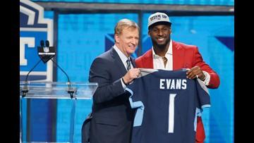Titans trade up, draft Alabama linebacker Rashaan Evans