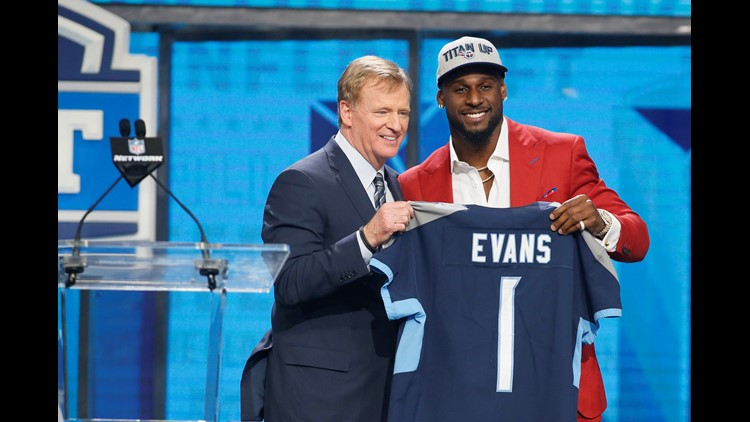 Titans draft Rashaan Evans