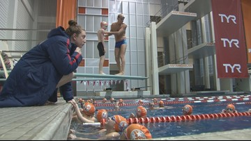 Olympians take time to coach young swimmers in Knoxville