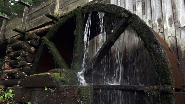Cable Mill Water Wheel Old Aug 2018