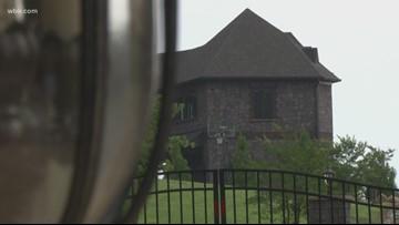 Massive Farragut home up for sale