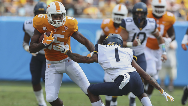 Jauan Jennings catches his first pass of the season