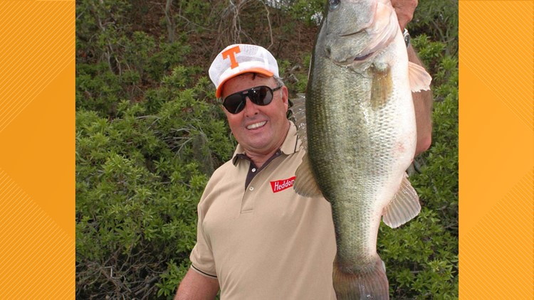 Professional fishing legend Bill Dance receives honorary doctorate from UT