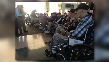 Hundreds give hero's welcome home to HonorAir Flight 27 veterans returning from D.C.