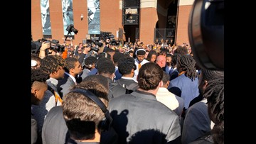 """Pruitt stops Vol Walk: """"Look around at what you're playing for today"""""""