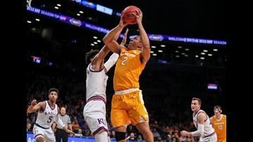 Tennessee holds on to third spot in AP Top 25 poll