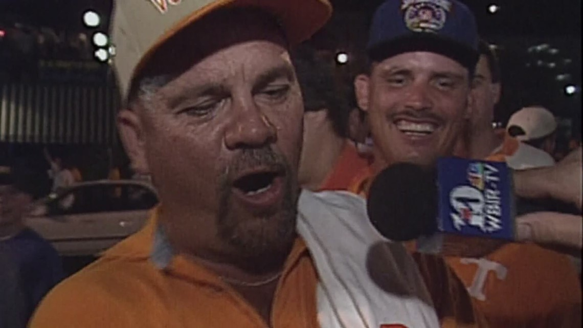 Pandemonium Reigns: Tearing down the goal posts after Vols beat Florida in 1998