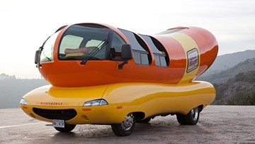 Oscar Mayer Wienermobile arrives in Knoxville Friday