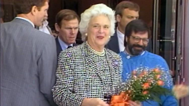 1988 Barbara Bush Orange Roses Knoxville