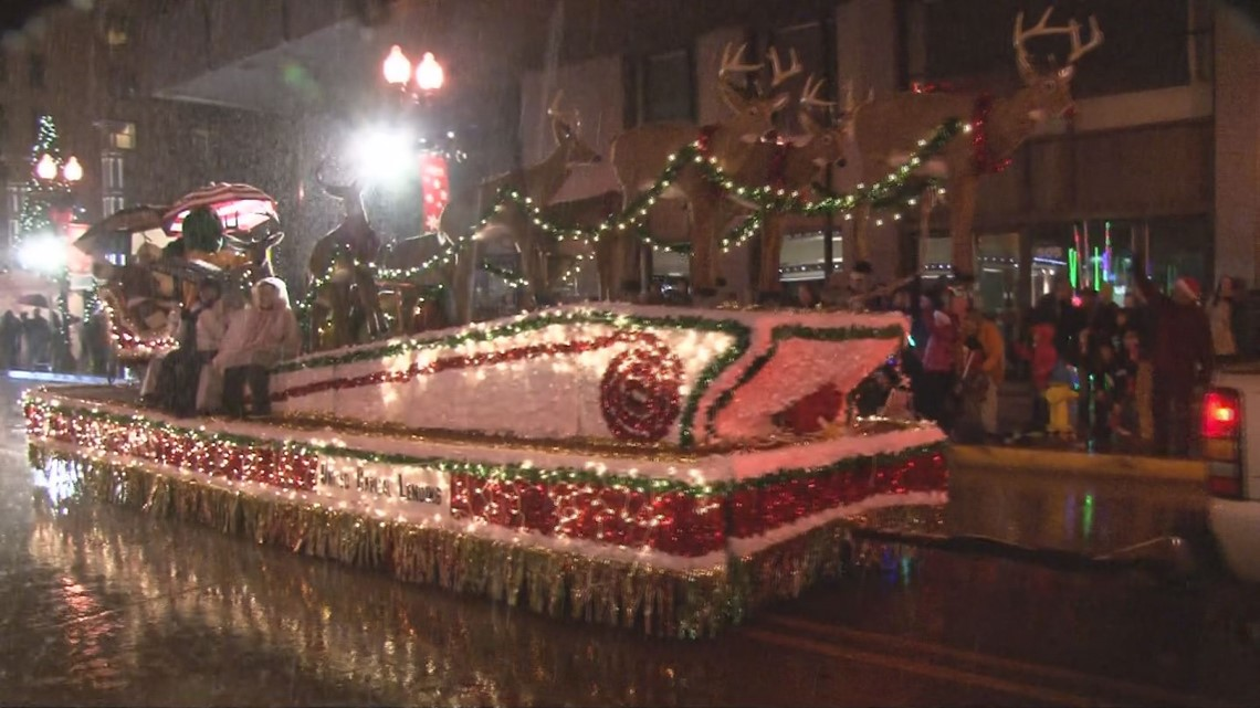 Downtown Knoxville Christmas Parade 2021 Christmas Parade Will Be Friday Dec 7 In Downtown Knoxville Wbir Com