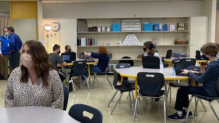 UCOR donates 100 laptops to Oak Ridge Schools, helping students in need