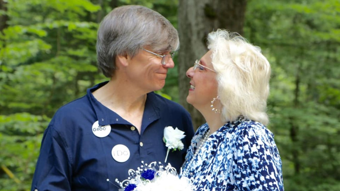 Photos: TN couple gets married at same Smokies spot where they met