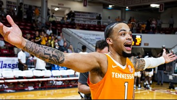Turner's buzzer beater lifts Tennessee over No. 20 VCU