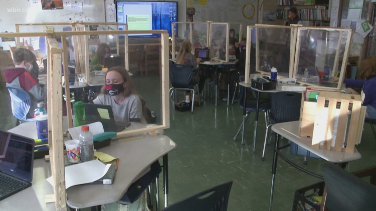 Knox County Board of Education votes to end mask mandate policy early