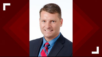 Loudon County director of schools announces he is resigning
