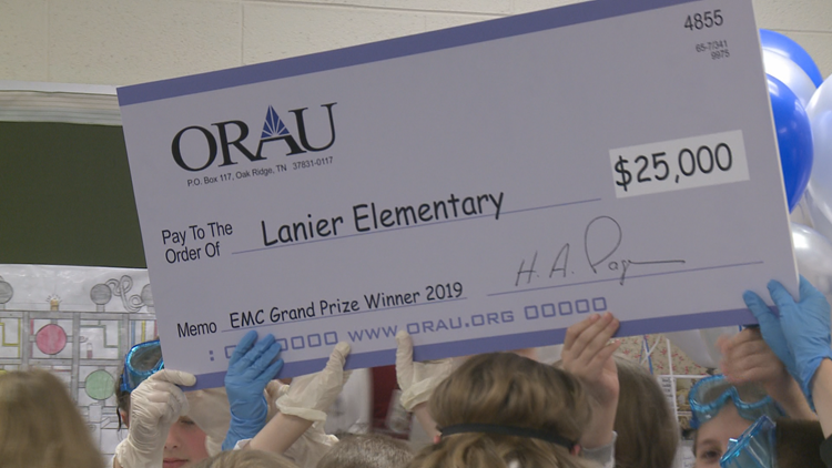 Lanier Elementary teacher gets classroom makeover