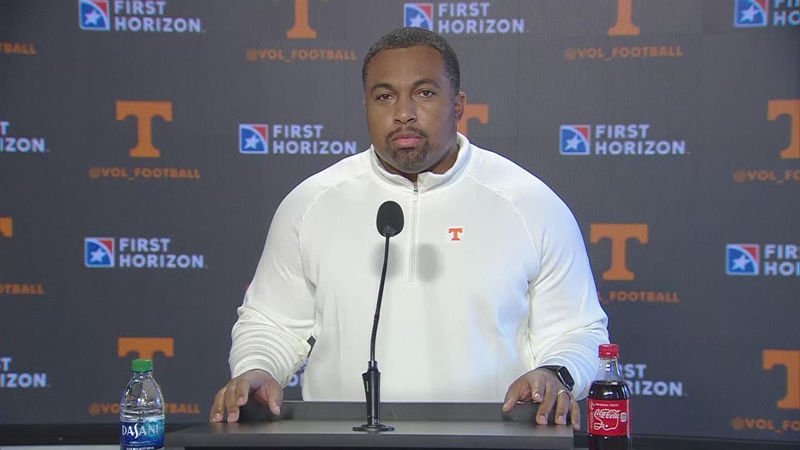 Tennessee running backs coach introduced