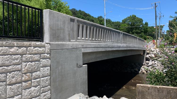 New Mineral Springs Avenue bridge opens