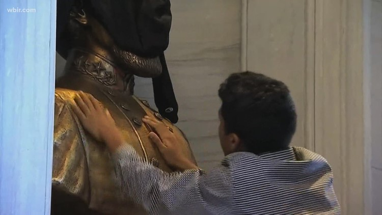 Bust of Nathan Bedford Forrest being removed from Tennessee capitol