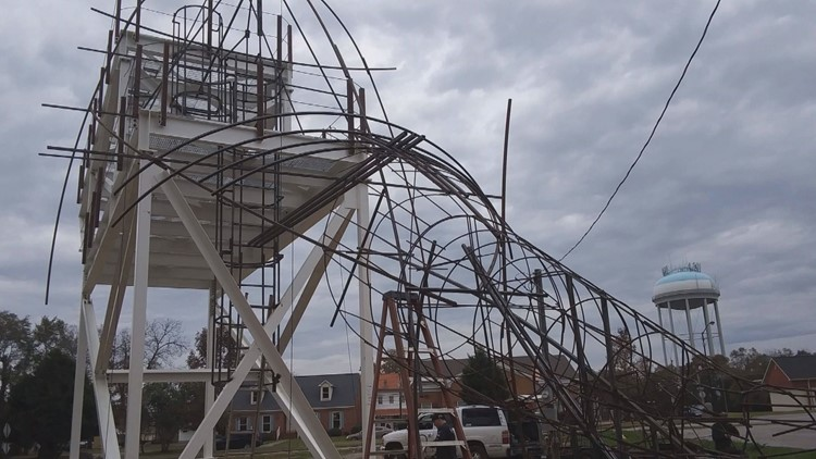 The steel bones of the giant chicken will support living plants to fill out the shape