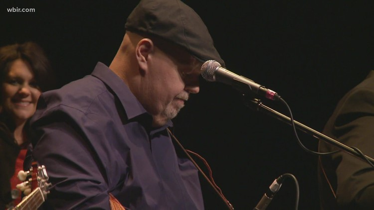 Knoxville bluegrass legend 'Uncle Phil' Leadbetter dies at 59