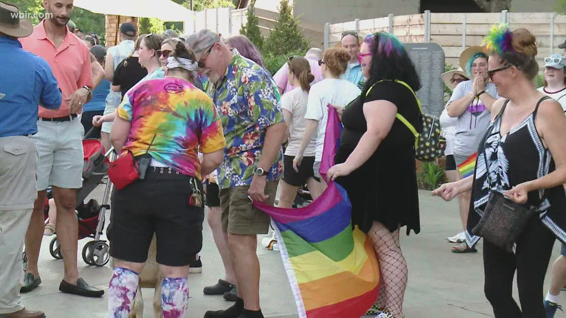 Zoo Knoxville hosts Pride Night