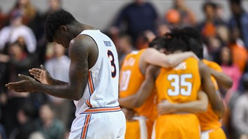 Tennessee collapses in second half, loses to No. 13 Auburn