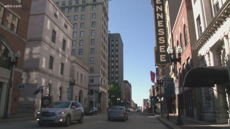 Knoxville crea estacionamientos de 15 minutos para recados en downtown