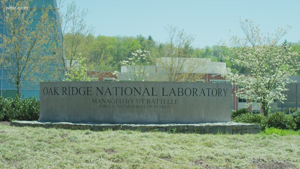 Judge issues temp restraining order after ORNL employees file lawsuit over COVID-19 vaccine mandate