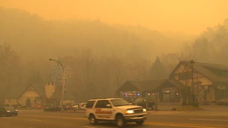 Smoke fills Gatlinburg November 28 2016 Wildfire