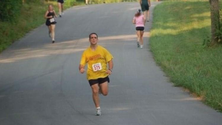 'Every step for Denny Depp' | Family honors memory of former Knoxville Marathon streaker