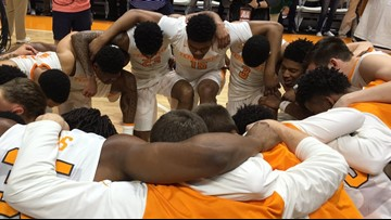 Audience of One: Vols' faith lifts basketball team to greater heights