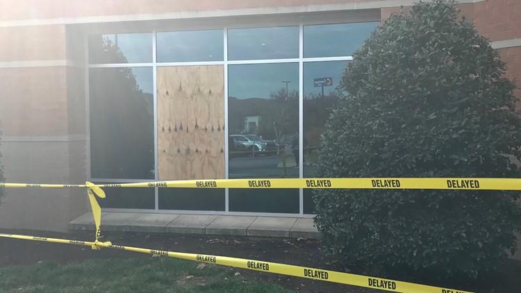 Deer crashes through window at Tennova North, 3 people injured