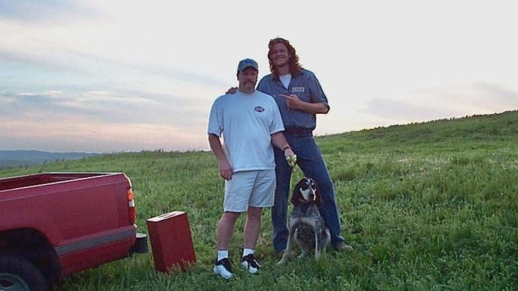 Tim Brown and Princess pose with a young Blake Shelton