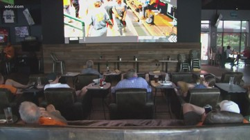 Fans gather in Knoxville to watch Vols take on Texas, spirits stay high despite world series elimination