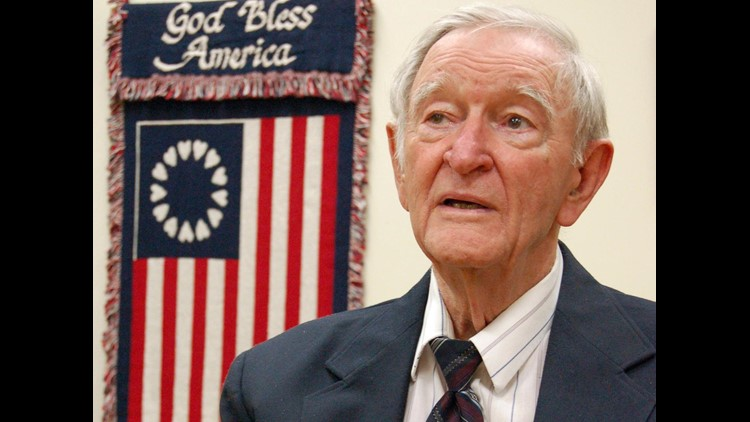 Charles Coolidge, Tennessean who received Medal of Honor for bravery in World War II, dies at age 99