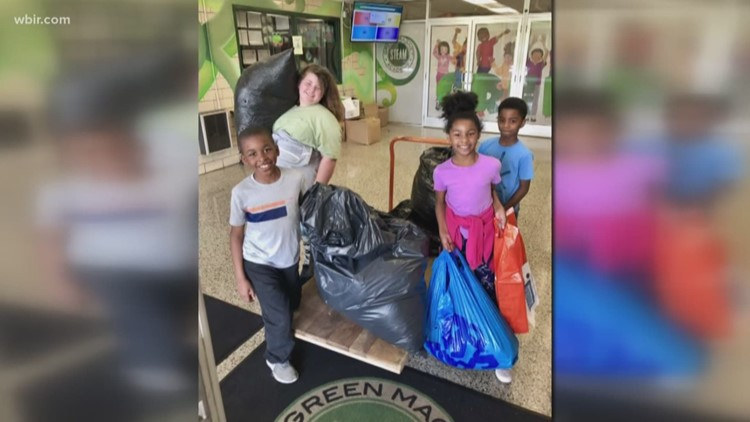 Pay It Forward: Students participate in Goodwill's Sack Pack donation drive