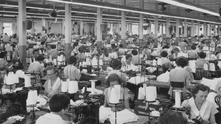 Interior of Standard Knitting Mill in 1955. Photo courtesy McClung Digital Collection.