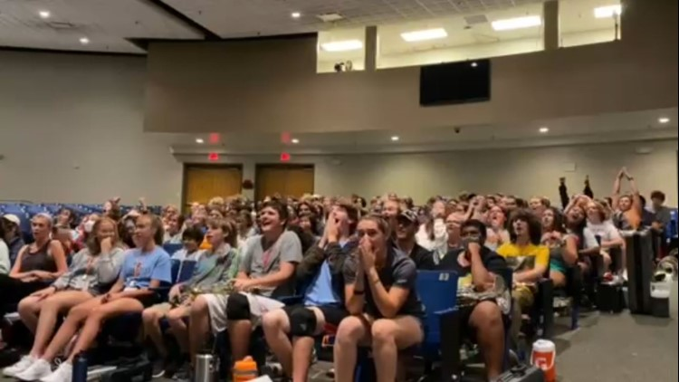 Dolly Parton surprises Hardin Valley Academy marching band with a special 'thank you' message