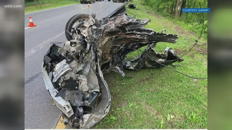 One dead after crash on Spur in Great Smoky Mountains