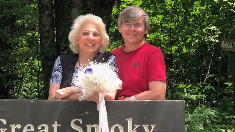 Tennessee couple gets married at same Smokies spot where they met