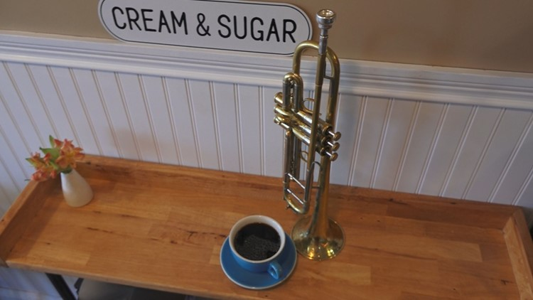 Bud's Farmhouse Coffee blends music with business in Oak Ridge