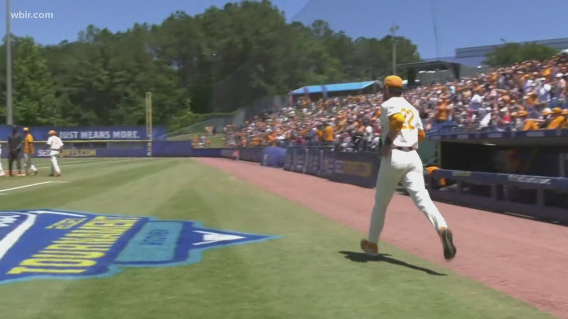 Vols fans strikeout while searching for Knoxville super regional baseball tickets