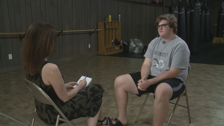 Logan Davis shares his story with WBIR Reporter Emily Stroud