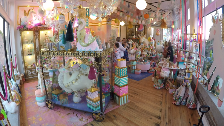 He crafted some of Oprah's Favorite Things. Now this Rockwood decorating guru is bringing Glitterville to Knoxville