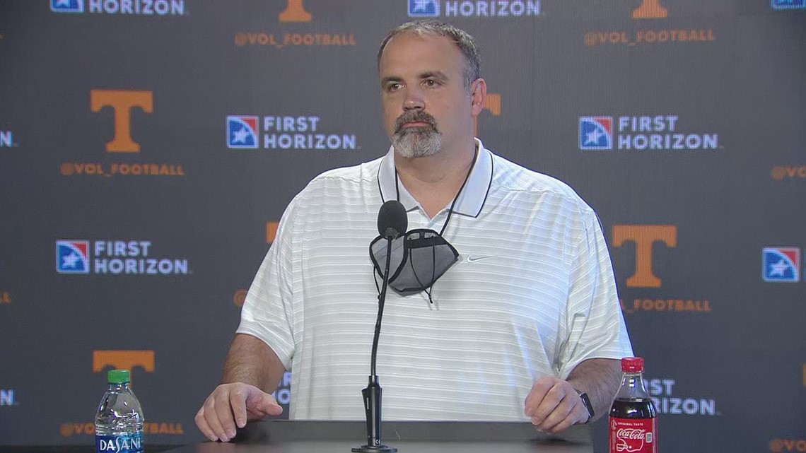 Tennessee offensive line coach introduced