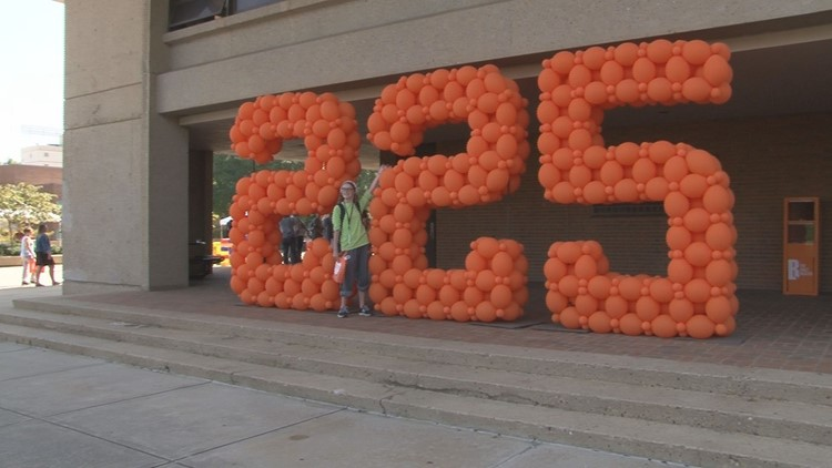 UT celebrates 225 years in Knoxville by admiring the past, looking toward the future