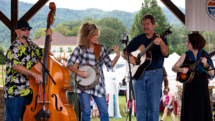 Townsend Fall Heritage Festival kicks off with Bluegrass music and time-honored Appalchian tradition