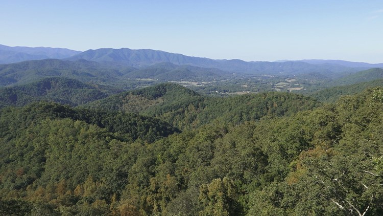 Green Foothills Parkway View Townsend 2019 Foliage