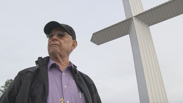 Man continues to build giant crosses throughout East Tennessee, plans to build in Knox County